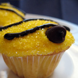 Buzz-worthy Bee Cupcakes and Hive Step 3