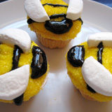 Buzz-worthy Bee Cupcakes and Hive Step 6