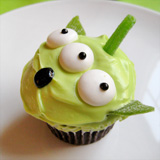 Toy Story Green Alien Cupcakes Step 5